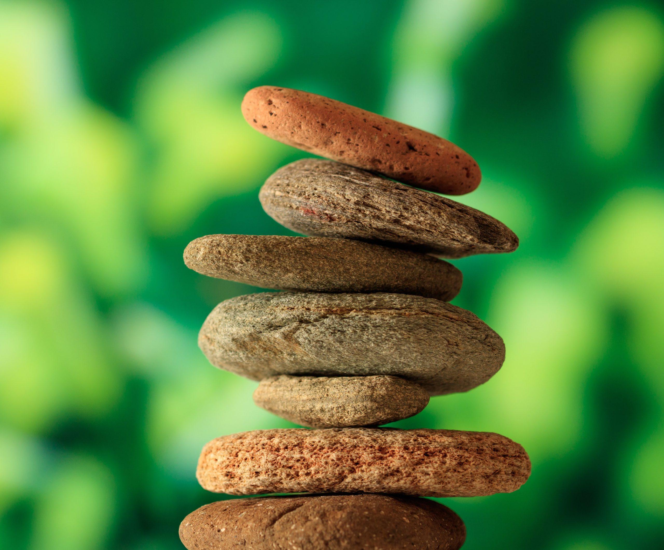 Aufeinandergestapelte Steine